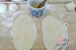 Příprava receptu Domácí sádlové rohlíčky, krok 4