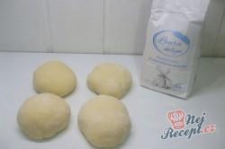 Příprava receptu Italské rohlíky s oříšky, krok 2