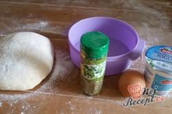 Příprava receptu Pita chlebíček se sýrem a jogurtem, krok 5