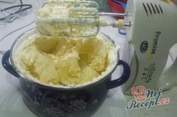 Příprava receptu Tříbarevný koláček s ovocem, krok 4