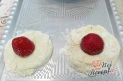 Příprava receptu Jahodové knedlíčky z tvarohového těsta, krok 5