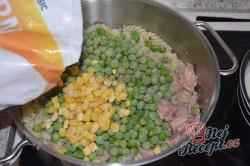 Příprava receptu Zapečené těstoviny s tuňákem a sýrem, krok 3