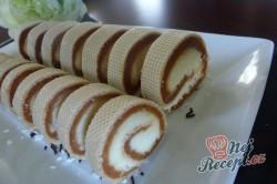 Příprava receptu Kokosová roláda s karamelem v oplatce, krok 7