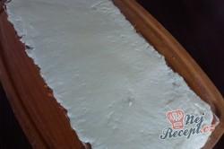 Příprava receptu Kokosová roláda s karamelem v oplatce, krok 5