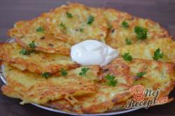 Příprava receptu Výborné bramboračky se zakysanou smetanou, krok 7