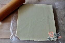 Příprava receptu Dvoubarevná kostka s džemem a marcipánem, krok 16