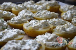 Příprava receptu Brambory s česnekem, smetanou a sýrem, krok 6