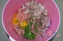 Příprava receptu Sekaná pečená ve slanině, krok 2