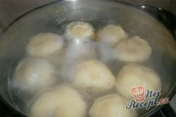 Příprava receptu Jahodové bramborové knedlíky, krok 9