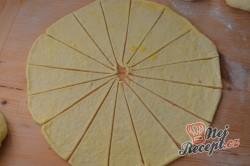 Příprava receptu Vynikající sýrové croissanty, krok 7