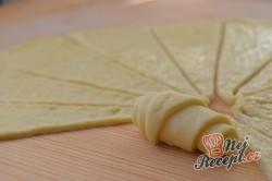 Příprava receptu Vynikající sýrové croissanty, krok 8