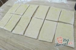 Příprava receptu Máslové kynuté MINI pečivo, krok 1
