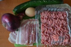Příprava receptu Masové bombičky s mozzarellou a cuketou, krok 1