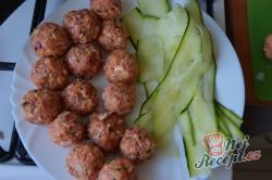 Příprava receptu Masové bombičky s mozzarellou a cuketou, krok 4