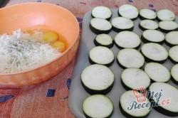 Příprava receptu Zapečená cuketa v sýrovém těstíčku nebo FALEŠNÝ cuketový řízek, krok 1