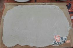 Příprava receptu Kynuté trojúhelníčky se špenátem a feta sýrem, krok 2