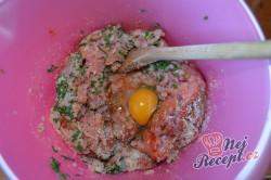 Příprava receptu Karbanátek plněný hermelínem, krok 2