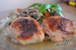 Příprava receptu Kuře v medové marinádě pečené na zelenině, krok 6