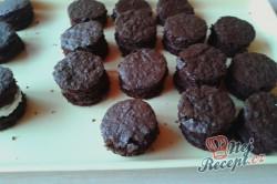 Příprava receptu Čokoládově tvarohové dortíky se šlehačkou, krok 5