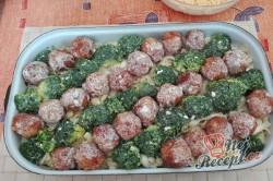 Příprava receptu Tagliattele s masovými kuličkami a brokolicí, krok 2