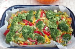 Příprava receptu Zapečená brokolice se zeleninou a vajíčkem, krok 3