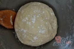 Příprava receptu Turecké koláče z kynutého těsta plněné oříšky, krok 3