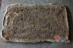 Příprava receptu Turecké koláče z kynutého těsta plněné oříšky, krok 5