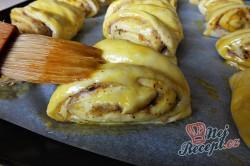 Příprava receptu Turecké koláče z kynutého těsta plněné oříšky, krok 6