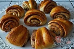 Příprava receptu Turecké koláče z kynutého těsta plněné oříšky, krok 12