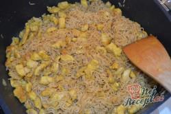 Příprava receptu Čínské nudle s kuřecím masem připravené za 15 minut, krok 3