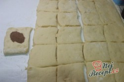 Příprava receptu Pečené buchty s kakaem a povidly, krok 2