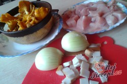 Příprava receptu Krůtí prsa s liškami na smetaně - FOTOPOSTUP, krok 3