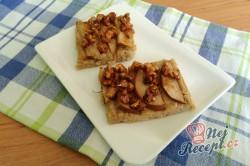 Příprava receptu Jáhlová buchta s hruškami a karamelovými ořechy, krok 1