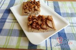 Příprava receptu Jáhlová buchta s hruškami a karamelovými ořechy, krok 2