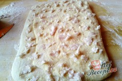 Příprava receptu Kynuté sádlové šátečky s vanilkou a ořechy - FOTOPOSTUP, krok 7