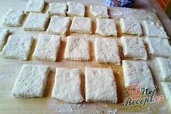 Příprava receptu Kynuté sádlové šátečky s vanilkou a ořechy - FOTOPOSTUP, krok 12