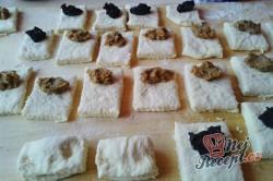 Příprava receptu Kynuté sádlové šátečky s vanilkou a ořechy - FOTOPOSTUP, krok 13