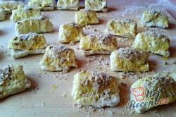 Příprava receptu Kynuté sádlové šátečky s vanilkou a ořechy - FOTOPOSTUP, krok 14