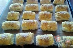 Příprava receptu Kynuté sádlové šátečky s vanilkou a ořechy - FOTOPOSTUP, krok 15