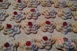 Příprava receptu Linecké vánoční růžičky, krok 6