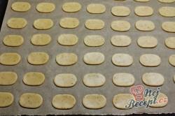 Příprava receptu Mocca oválky s kávovým zrnkem, krok 1