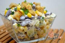 Příprava receptu Lehký kuřecí salát se zálivkou ze zakysané smetany a dijonské hořčice, krok 7