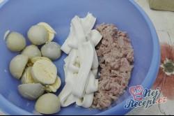 Příprava receptu Vajíčka plněná tuňákovou pomazánkou, krok 2