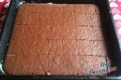 Příprava receptu Litý perník posypaný moučkovým cukrem, krok 10