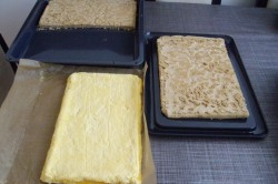 Příprava receptu Slavnostní ořechové řezy s tvarohovým těstem, krok 4