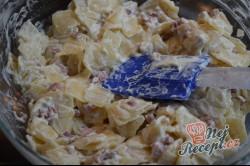 Příprava receptu Zapékané těstoviny s tvarohem a slaninou, krok 3