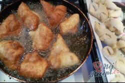 Příprava receptu Tvarohové křehké fánky, krok 11
