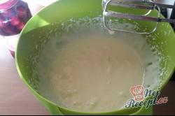Příprava receptu Hrnkový makový koláček s višněmi, krok 3