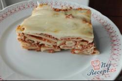 Příprava receptu Zapečené těstoviny v rajčatové omáčce s houbami a sýrem, krok 1