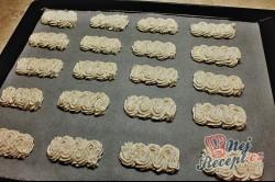 Příprava receptu Sněhové tyčinky s krémem a čokoškou, krok 2
